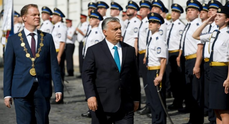 Orbán: Hungary will never abandon its officers