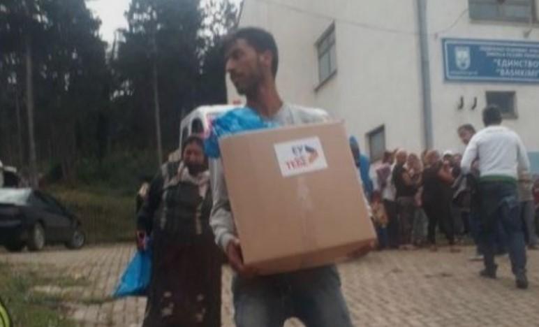 SDSM activists filmed bribing voters in Gostivar with food parcels