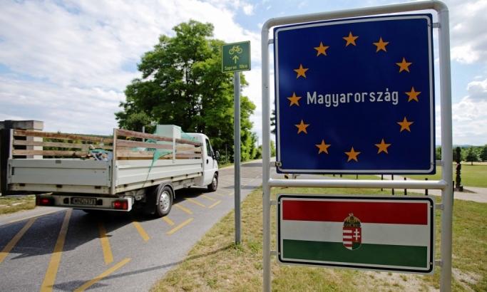 Central European countries open borders