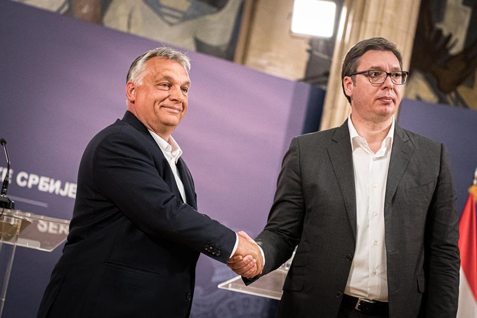 Orban congratulates Vucic on big election victory