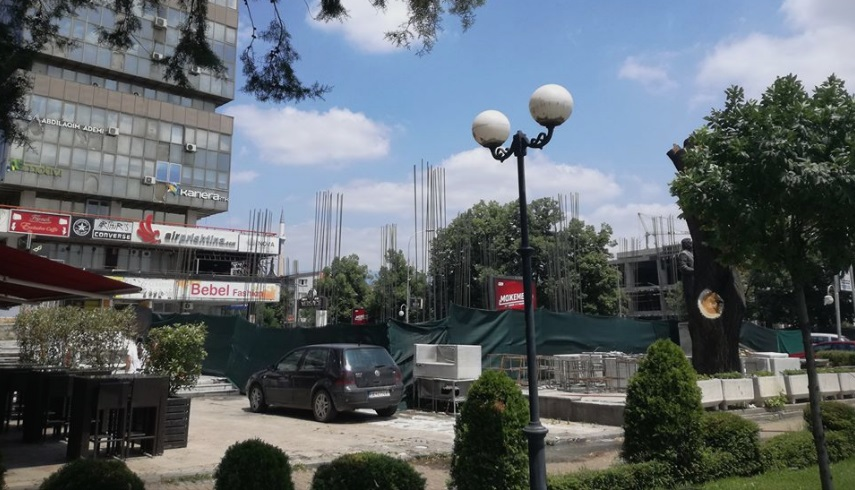 Illegal construction at the site of the recent cafe fire in Skopje