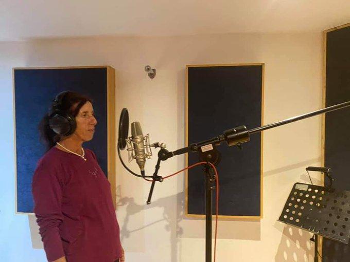 "Honeyland's Hatidze records her first song ""Pokraj reka Bregalnica"""
