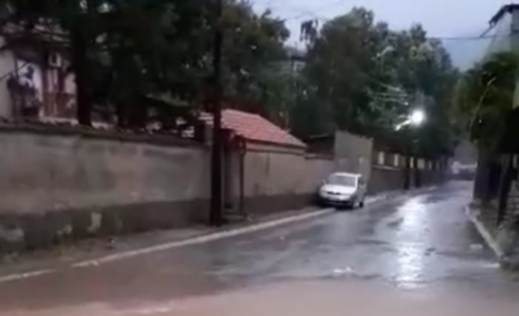 Streets flooded in Bitola after a torrential rain