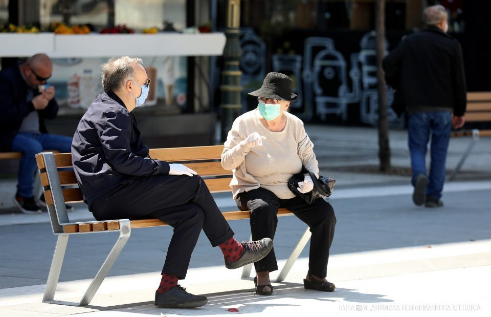 422 people caught without face masks