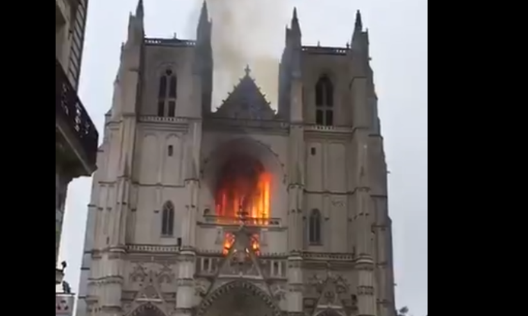 Arson may be the cause of fire in Nantes cathedral