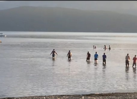 Divers end search for a boy missing in lake Prespa for the day
