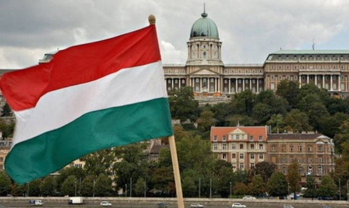 Hungary closes its borders to all foreign visitors to stop the spread of the coronavirus
