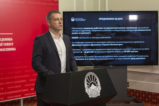 SDSM wants to cut the public sector, assign new jobs to workers who stay at home because of the coronavirus or their ethnicity