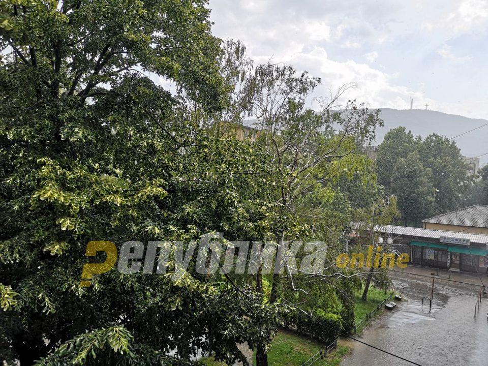 Intense hail the size of walnuts fell on Skopje
