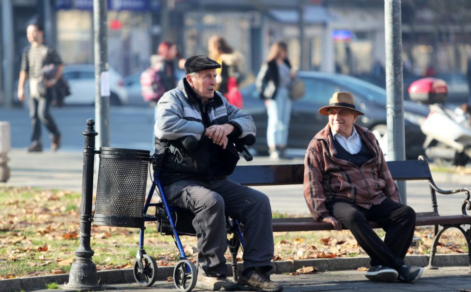 Government plans to introduce mandatory retirement at 62/64 years
