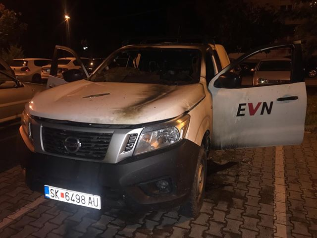 Tetovo police arrests the man who torched two EVN vehicles