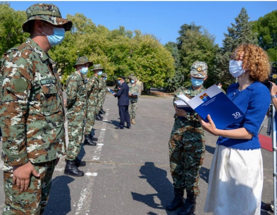 New scandal in the Ministry of Defense: Sekerinska unlawfully promoted newly recruited soldiers to higher ranks