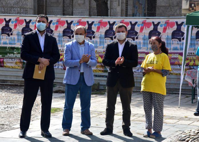 """Honeyland"" star Atidze Muratova blacked out during an event in Skopje"