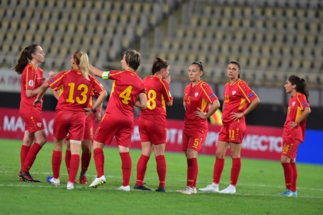 Franch women's football team beats Macedonia 0:7