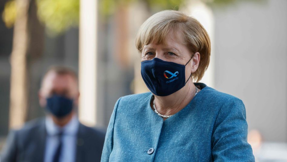 Merkel warns of tough winter ahead