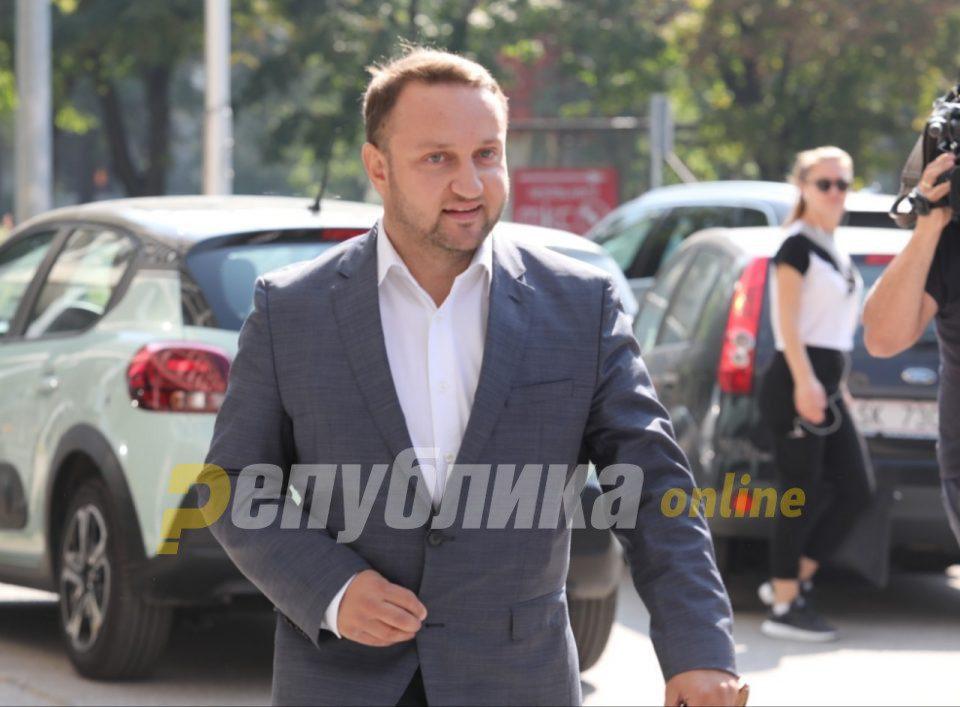 One sacrificial lamb nominates another: Kiracovski believes that Nikola Dimitrov should resign