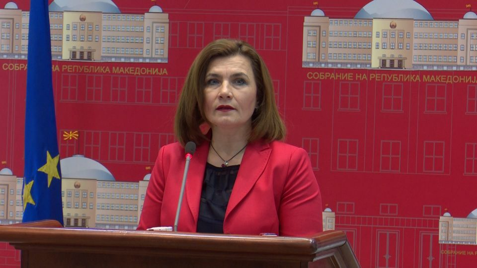 Minister Sahpaska insists there are only 16,000 Covid related job losses, not 40,000 as reported
