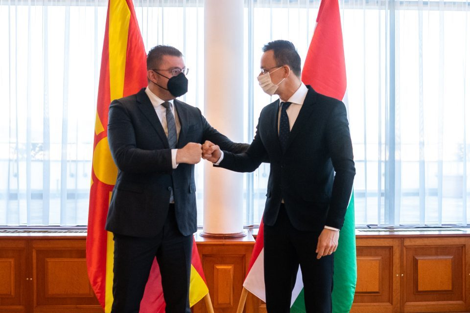 Szijjártó informed about meeting with VMRO-DPMNE delegation led by Mickoski