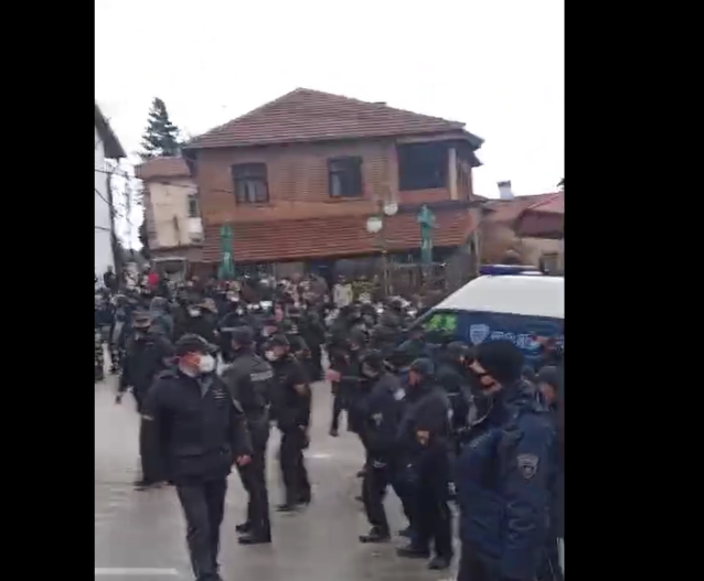 Riot police sent to break up the Vevcani carnival