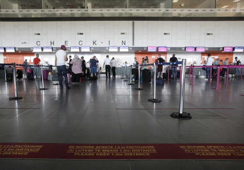 Four Swiss residents arrested at the Skopje airport with fake coronavirus tests
