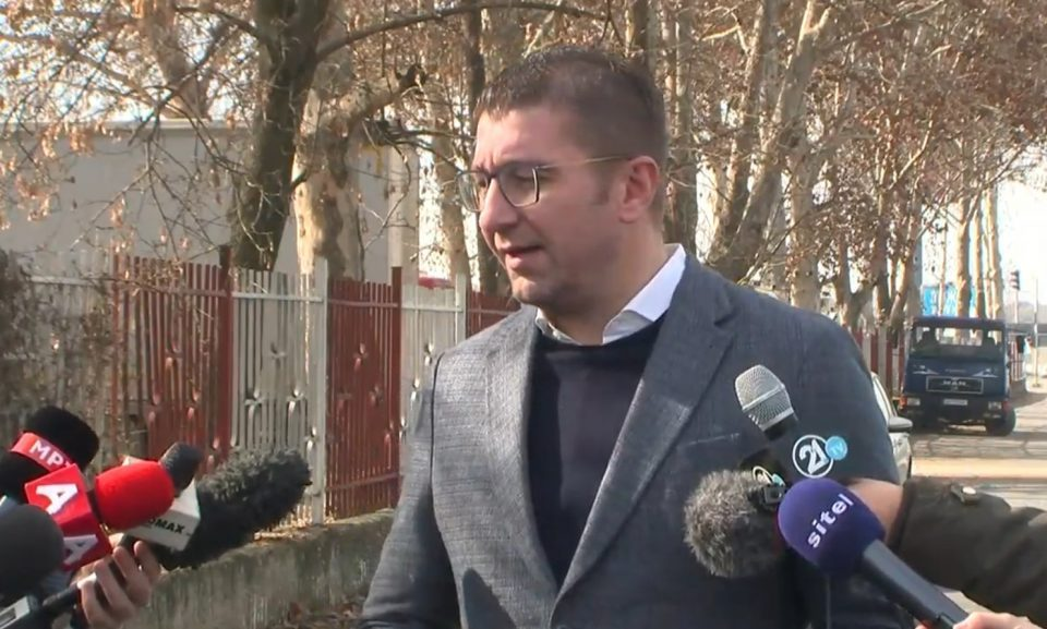 Mickoski urges Zaev to go ahead with the identity cards law