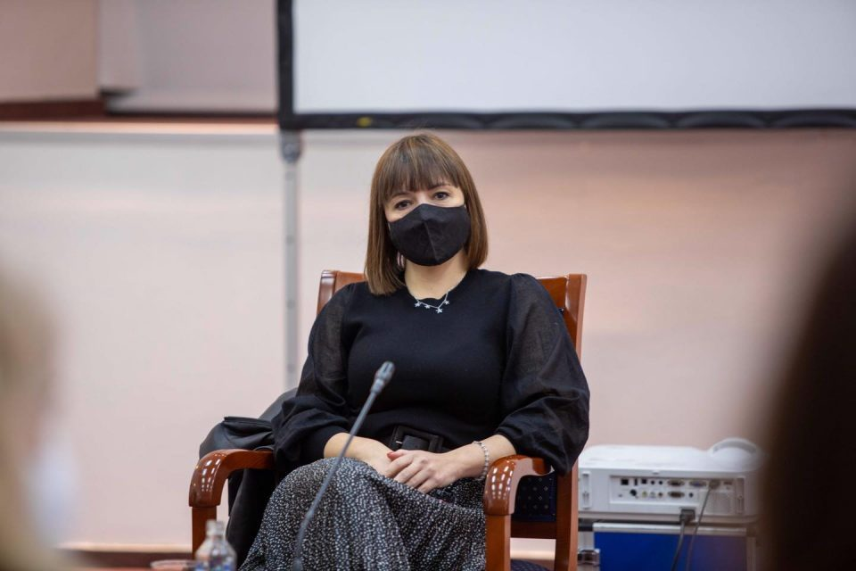 Education Minister Carovska forced to isolate because of coronavirus contact