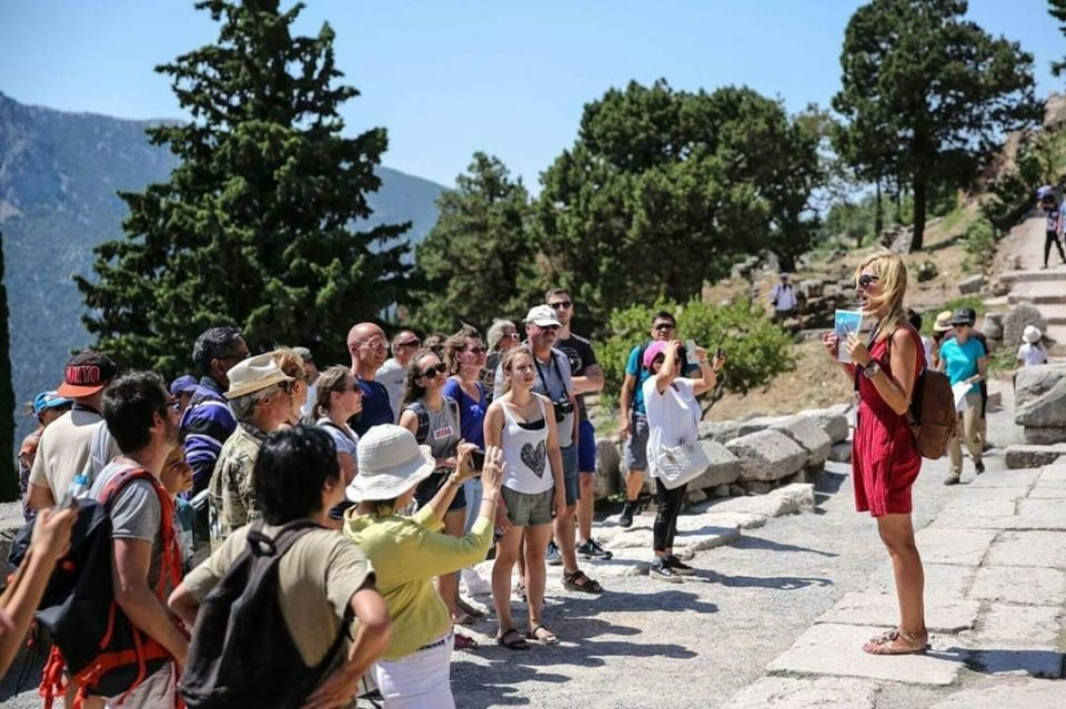 In December there were much fewer foreign, but more domestic tourists compared to December 2019