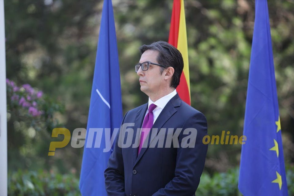 Pendarovski and Zaev don't see need to add the Bulgarian nation to the preamble of the Macedonian Constitution