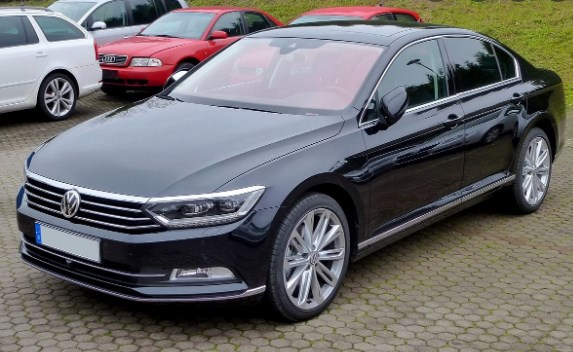 Was Mijalkov brought to the Public Prosecutor's Office with a black government Volkswagen Passat vehicle?