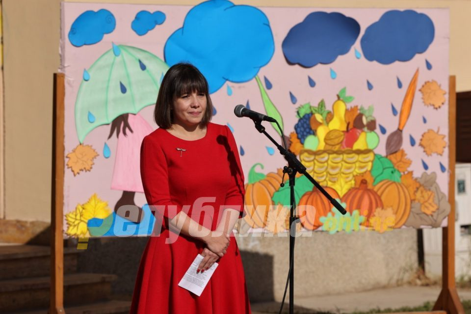Government approves Education Minister Carovska's plan to rewrite history
