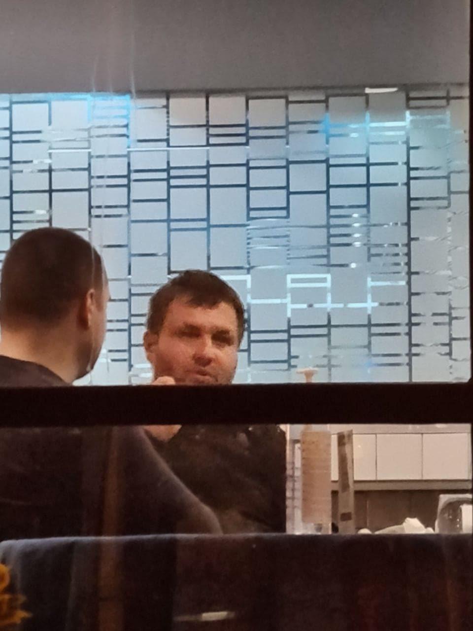 Centar Mayor Sasa Bogdanovic filmed in a restaurant in violation of coronavirus restrictions