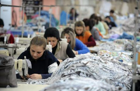 3,500 textile workers furloughed in Stip