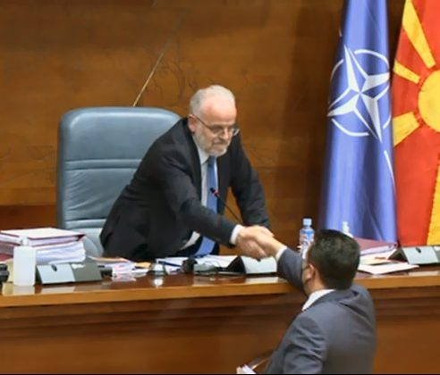 Mickoski warns Xhaferi and Zaev not to play with fire after the opposition was denied the right to speak in the Parliament