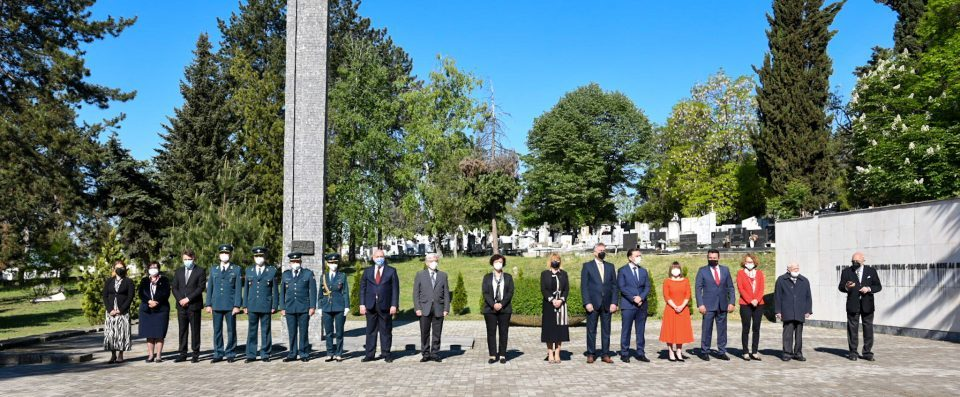 Government delegation lays flowers at partisan cemetery on Victory Day and Europe Day