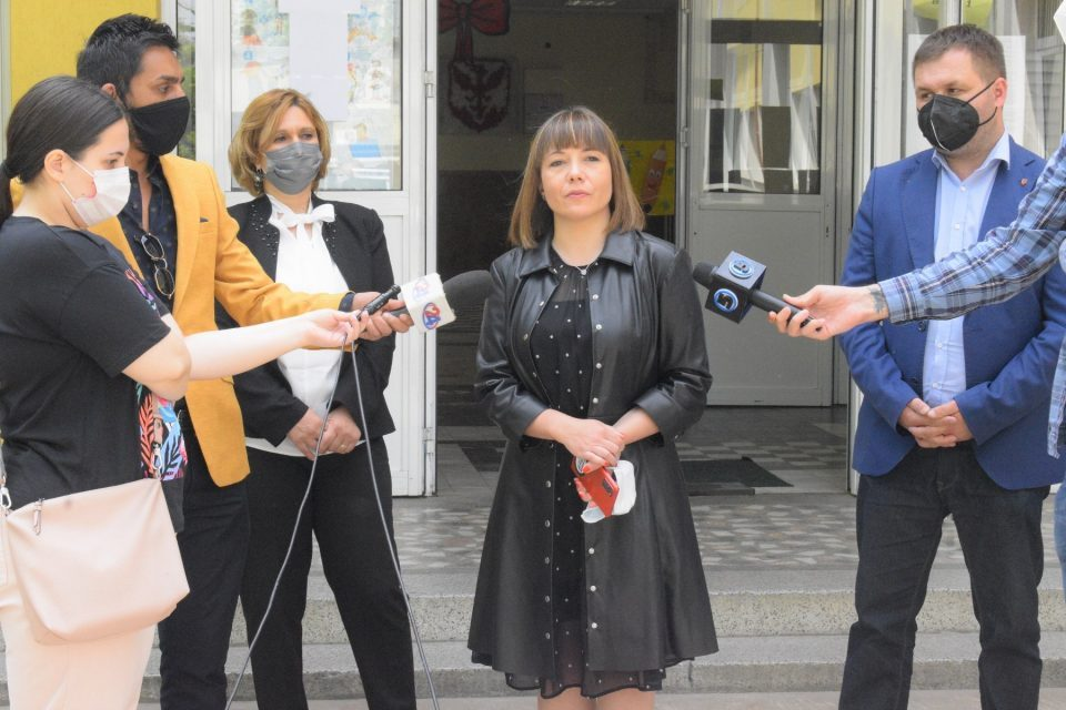Carovska: Protest is constitutional right, but education reform resumes