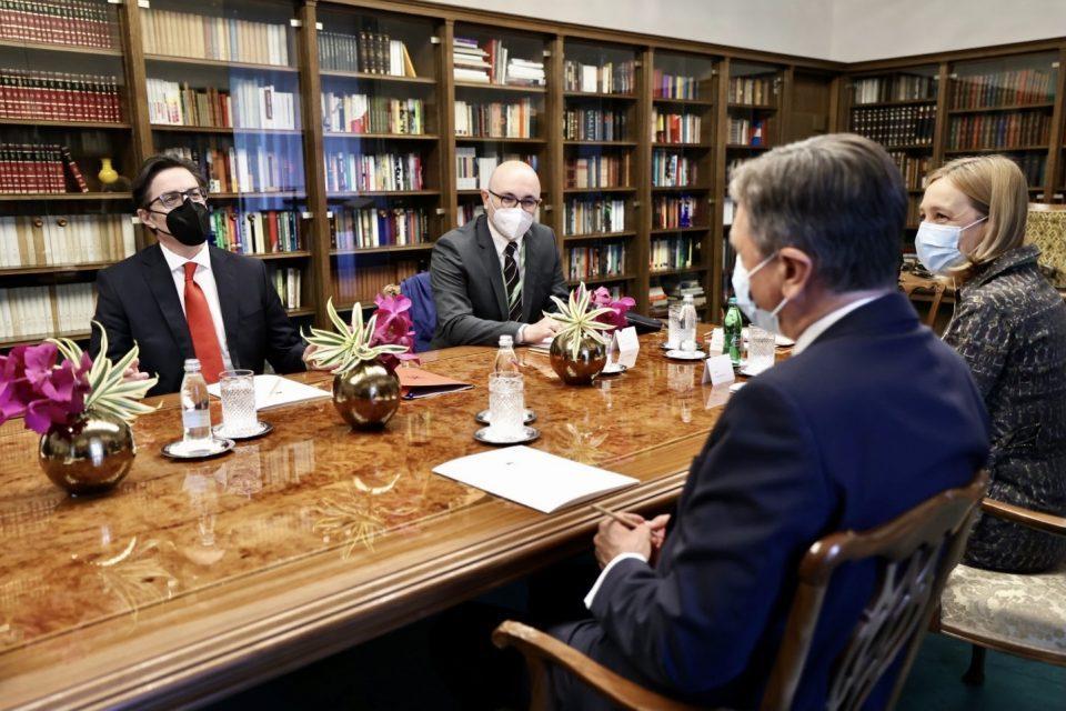Pendarovski asks Slovenia and Croatia to help Macedonia open its EU accession talks