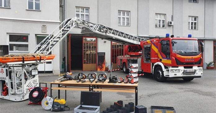 VMRO-DPMNE claims Mayor Silegov's firefighting truck contract is corrupt to the tune of half a million EUR