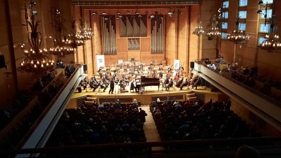 Simon Trpceski receives standing ovation at a good-will concert in Sofia