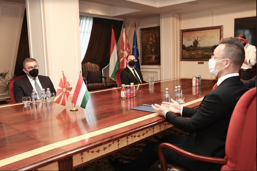 Mickoski and Szijjarto discuss Macedonia's EU prospects, Zaev's corruption scandals, the healthcare and economic crises
