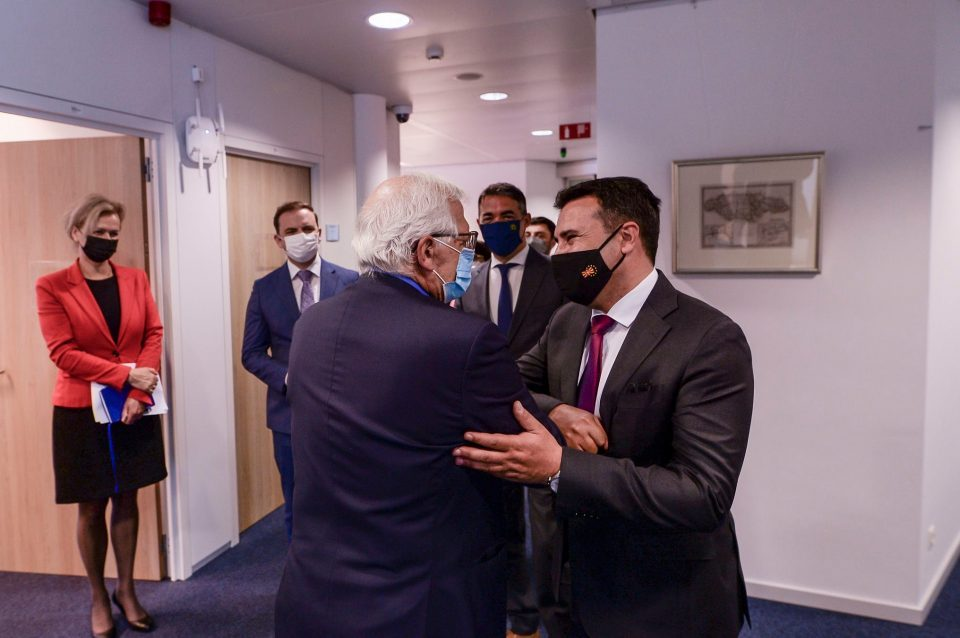 Zaev acts tough with the EU, says he told them to remove the Macedonian identity from the negotiating table