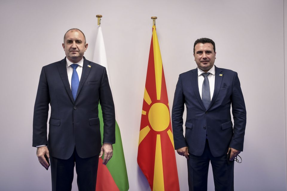 Zaev meets Bulgarian President Radev in Brussels, to pay visit to Sofia this week