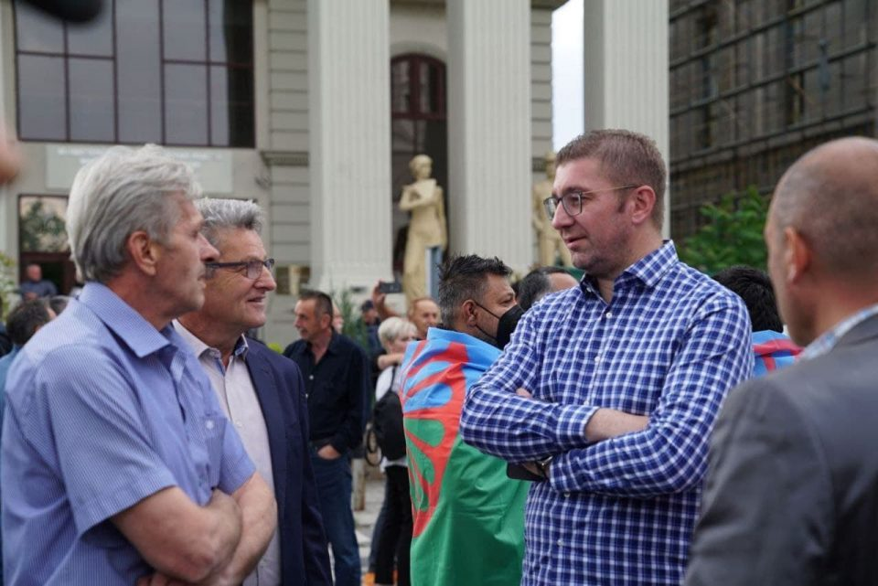 Mickoski: We remain here to oppose disastrous policies and prevent new Macedonian national shame