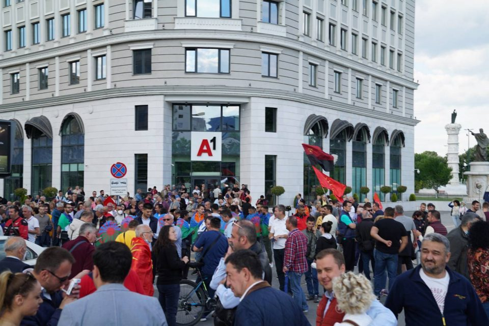 VMRO-DPMNE resumes protests in a bid to prevent the national shame being prepared for Macedonia by Zaev and his associates