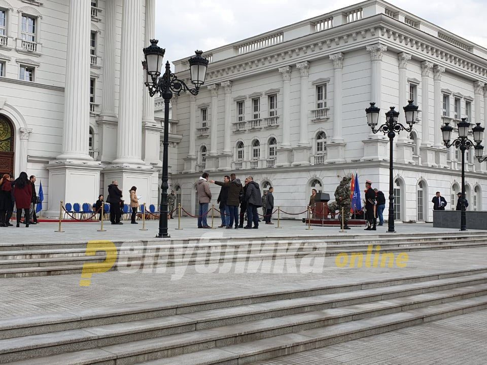 Government: No secret negotiations, Macedonia has declared positions loud and clear