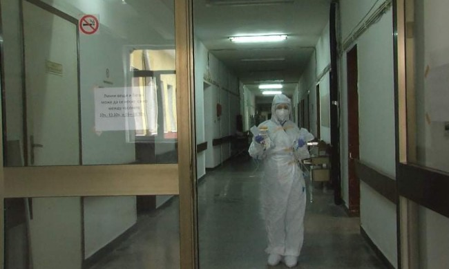 Nearly 800 new Covid-19 cases, 10 patients die