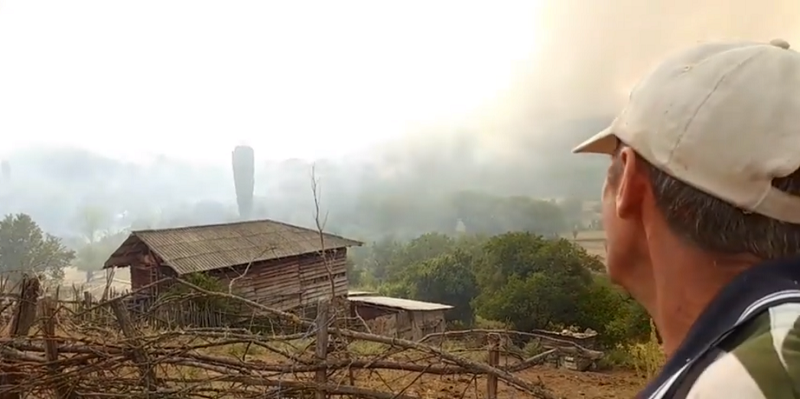 Fire starts burning houses in Delcevo village, locals say the helicopter was withdrawn