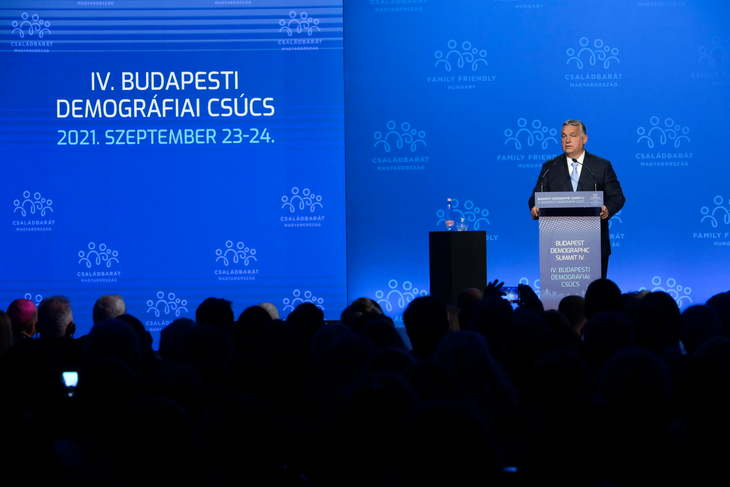 V4: Hungary hosts the Demographic Summit