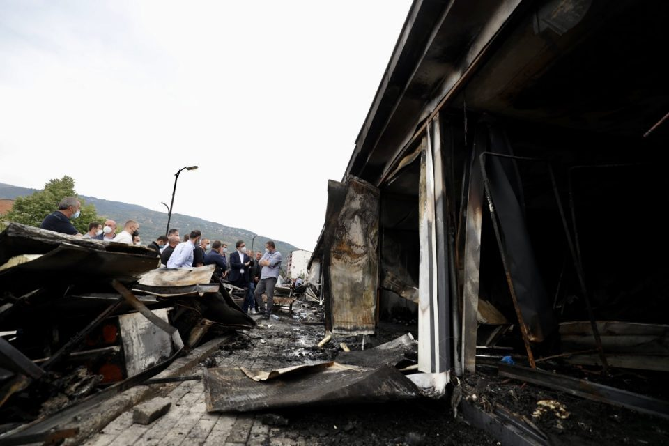 German experts who are supposed to help with the Tetovo hospital fire investigation still haven't arrived in Macedonia